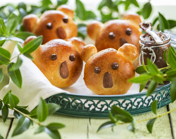 Magic White koala sandwiches with homemade almond-cinnamon paste